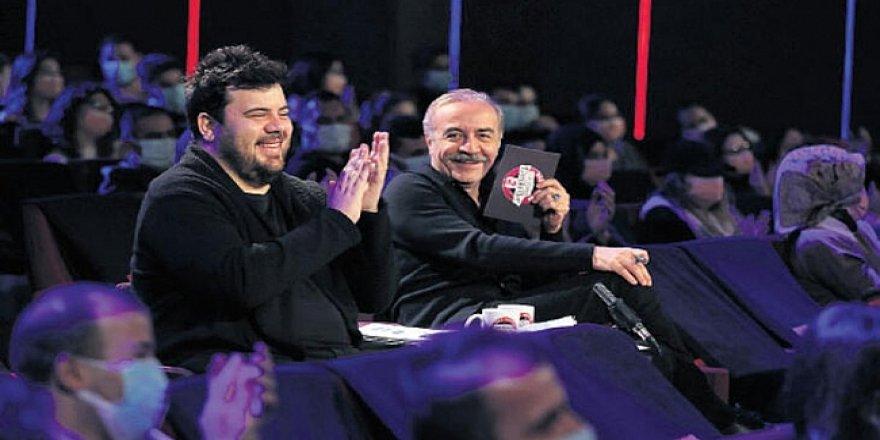 ÇGHB 2 Oyuncuları Programa Veda Etti! Yılmaz Erdoğan'ın Oyuncuları Programdan Gidiyor!
