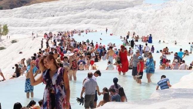 Pamukkale'ye Giriş Ücretleri Zamlandı! Bu Fiyata Yerli Turist Giremez