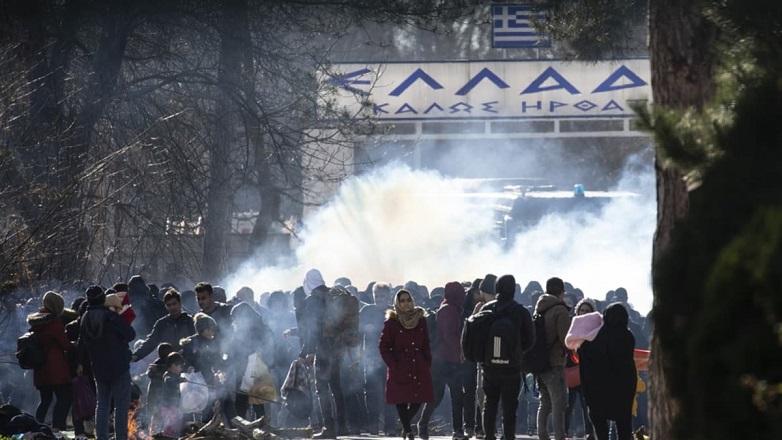 Yunanistan Mültecilere SMS Attı!