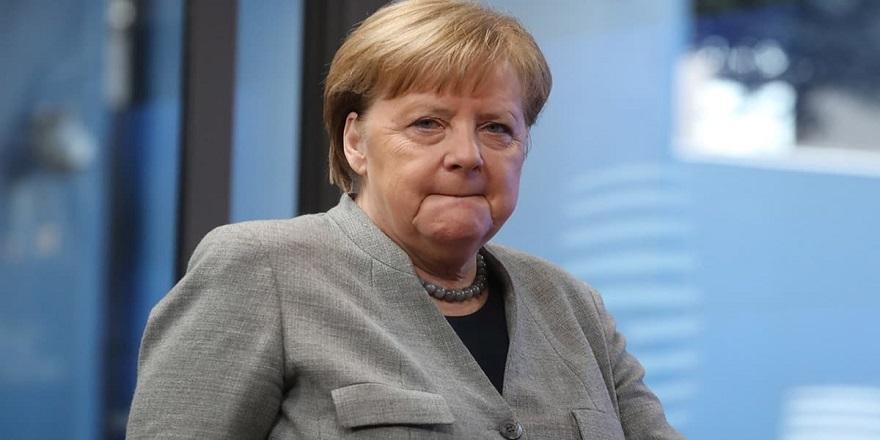 Merkel, Türkiye AB'ye Baskı Uyguluyor