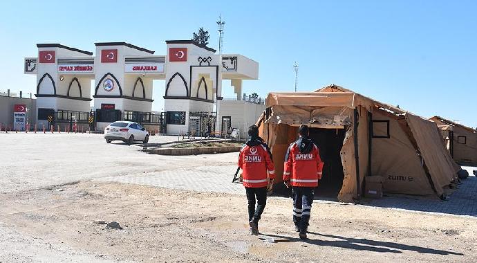 Sınır Hattında Sahra Hastaneleri Kuruldu