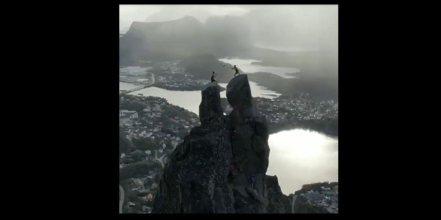 Resmen Çılgınlık 569 metre yükseklikte yaptıkları tüyler ürpertti