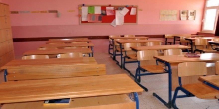 Okulda Skandal! Küçük Kızı Döverek Öldürdü