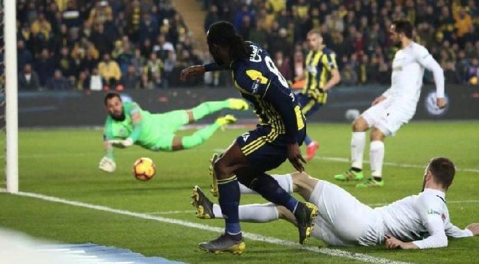 Fenerbahçe Liderliğe Koşuyor