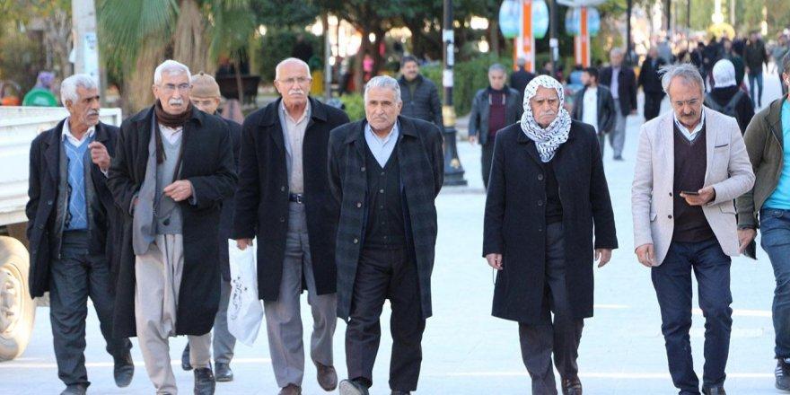 Emekliler bu habere dikkat! Hesabınıza 2500 Lira yatacak!