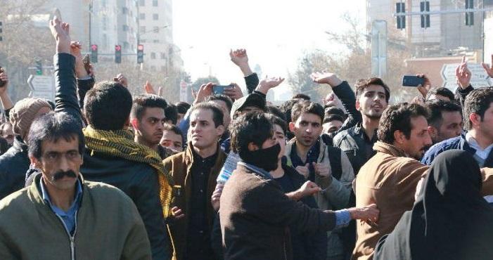 Ruhani, Dar Gelirli Vatandaşa Yardım Etmek Amacıyla Benzin Fiyatını Artırdık