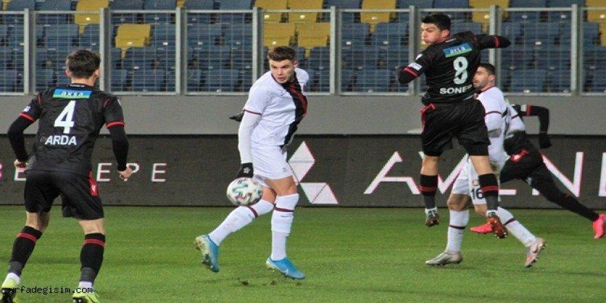 Fatih Karagümrük Spor Deplasmanda Şov Yaptı
