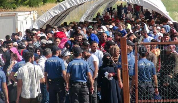 Suriyelilerin Sayısı 5 bini aştı! Akın akın gidiyorlar...