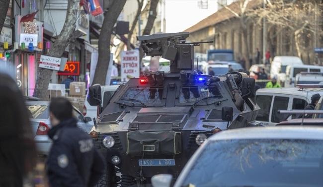 Ankara'da Sokak Ortasında Çatışma