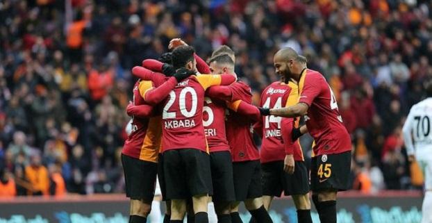 Galatasaray'da Yeniler Göz Doldurdu