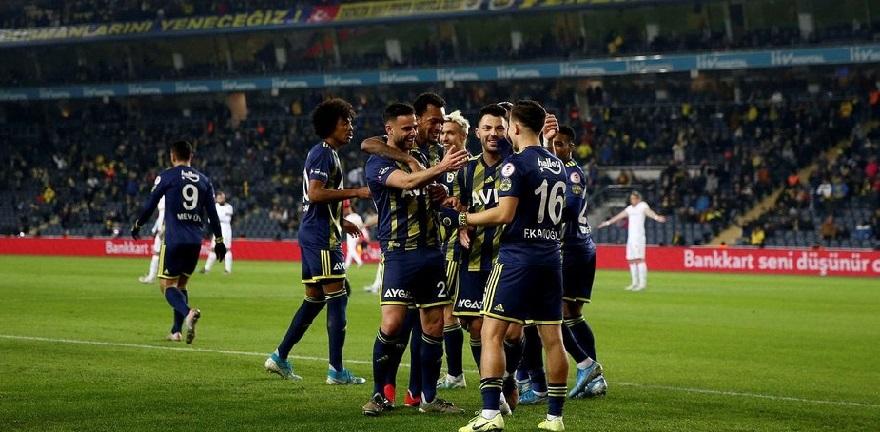 Fenerbahçe Güle Oynaya Çeyrek Finalde
