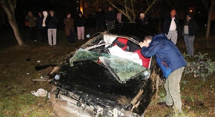 Kaza Yapan Alkollü Sürücü Ağacın Arkasında Yakalandı